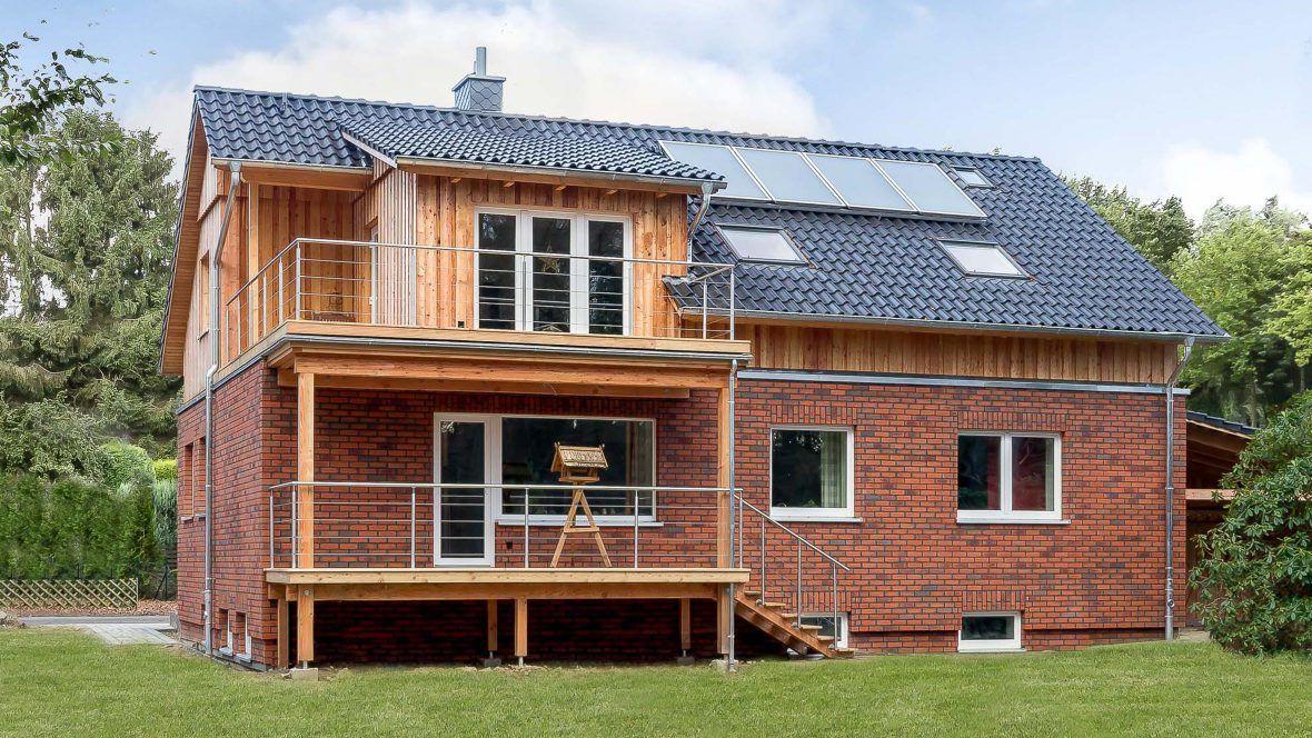 Hohlfalzziegel Z5 altschwarzModernes Einfamilienhaus mit Klinker & Hohlfalzziegel Z5